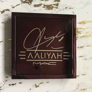 AALIYAH and MAC Collaboration Eyeshadow x 9
